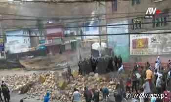 Trabajadores mineros se enfrentan a la policía en La Oroya - ATV.pe