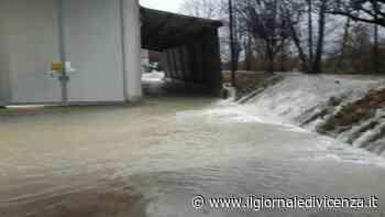 Video: Esondazione del Caveggiara a Torri di Quartesolo - Il Giornale di Vicenza
