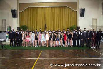 Notícias   Notícias: colegio-sao-jose-realiza-formatura-do-ensino-medio - Jornal Bom Dia