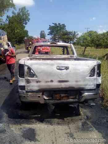 Una camioneta se prendió en la vía Ayapel, La Apartada - Diario La Libertad
