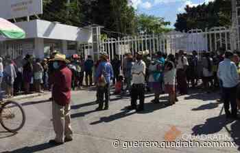 Toman campesinos de Tixtla oficinas de Sader y Delegación del Bienestar - Quadratín Michoacán