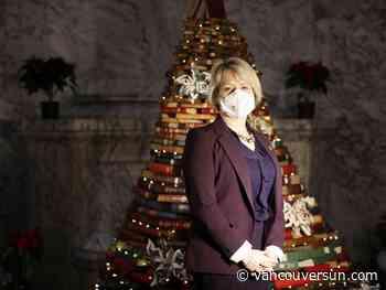 COVID-19: B.C. health officials announce 582 new cases, 12 deaths on Christmas Eve