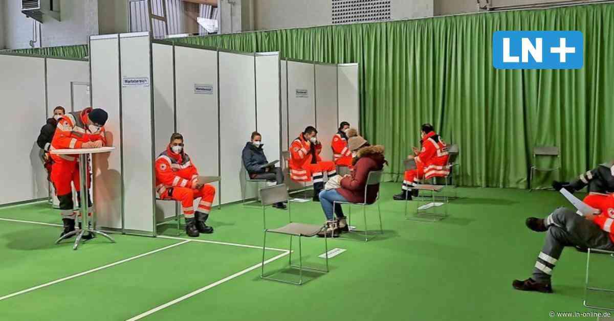 Corona: Kreis Segeberg probt Abläufe im Impfzentrum Wahlstedt - Lübecker Nachrichten
