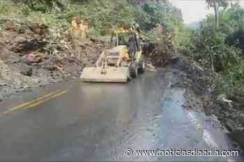 Continúa bloqueo vial entre Sasaima y Villeta, Cundinamarca - Noticias Día a Día