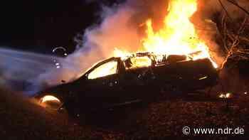 Nortrup: 73-Jähriger rettet sich aus brennendem Auto - NDR.de