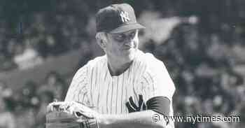 Phil Niekro, Hall of Fame Knuckleball Pitcher, Dies at 81