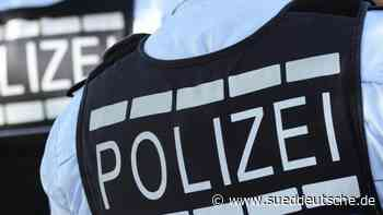 Polizisten retten Hund an Heiligabend aus eiskaltem Kanal - Süddeutsche Zeitung