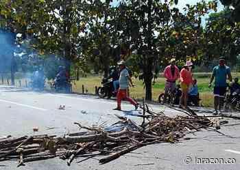 Por escasez de agua potable comunidad bloquea vía Montería- Planeta Rica - LA RAZÓN.CO