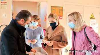 Livraison des masques à Saint-Arnoult-en-Yvelines Saint Arnoult en Yvelines vendredi 20 novembre 2020 - Unidivers