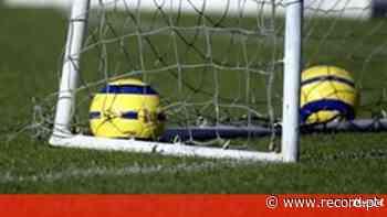 Transmissão em direto do Vila FC-Infesta (AF Porto) - Record