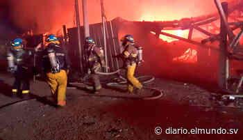 Se incendia recicladora en carretera a San Juan Opico - Diario El Mundo