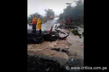 Colapsa vía en Los Planes de Gualaca a causa de las lluvias - Crítica