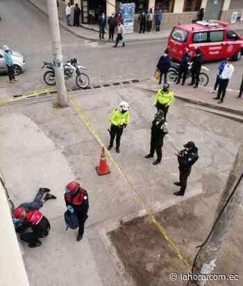 'Borrachito' muere en una vereda en Píllaro - La Hora (Ecuador)