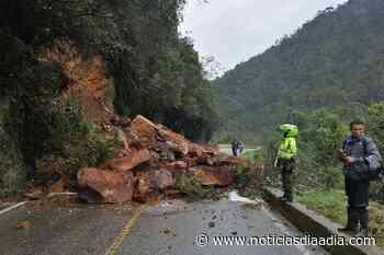 Derrumbe bloquea vía San Miguel entre Sibaté y Fusagasugá, Cundinamarca - Noticias Día a Día