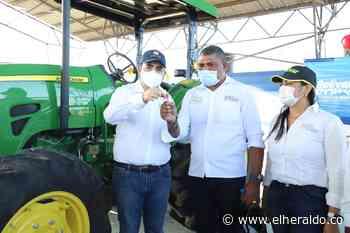 Campesinos de Barranco de Loba reciben maquinaria e insumos agropecuarios - EL HERALDO