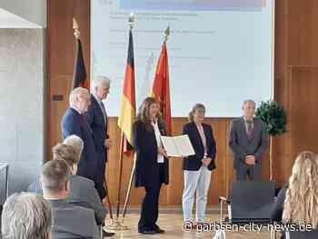 Verdienstkreuz am Bande für Daniela Grunwald-Galler aus Garbsen - Garbsen City News - Garbsen City News