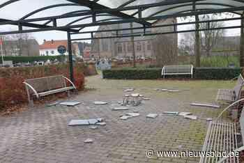 """Hier begint het nieuwe jaar met vandalisme: """"Jongeren moeten ergens kunnen rondhangen, maar niet op een begraafplaats"""""""