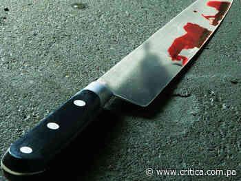 ¡Horrible! Mata a cuchilladas a su mujer en Caimitillo (Videos) - Crítica