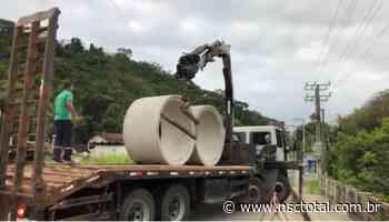 Ponte sobre rio Itajuba é interditada por risco de desabamento em Barra Velha   NSC Total - NSC Total