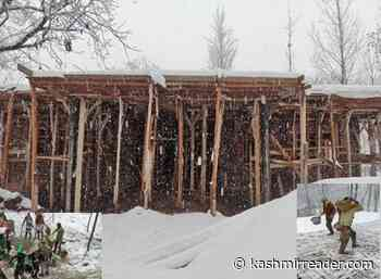 Shaar Shali villagers accuse a contractor for violating construction guidelines while building NTPHC - Kashmir Reader