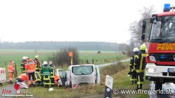 D: Transporter bei Harsefeld im Straßengraben gelandet → 52-Jähriger kommt ums Leben - Fireworld.at