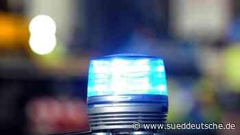 Polizei löst Versammlung von Trump-Anhängern auf - Süddeutsche Zeitung