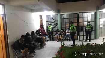 Arequipa: intervienen a 14 personas que acampaban en playas de Mollendo - LaRepública.pe