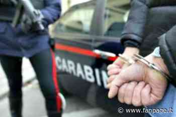Gardone Val Trompia, molesta una ragazzina e poi prende a pugni un carabiniere: arrestato maniaco - Fanpage