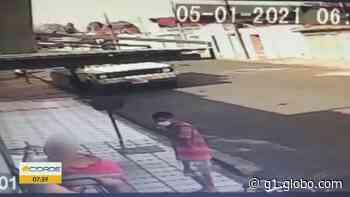 Casal de idosos é assaltado em frente de casa em Ituverava, SP; vídeo - G1