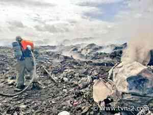 Bomberos logran extinguir incendio en vertedero de Guararé - TVN Noticias