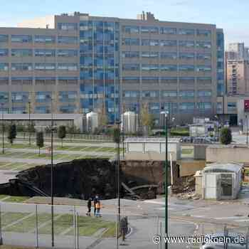 Krankenhaus-Parkplatz in Neapel eingestürzt - radiokoeln.de