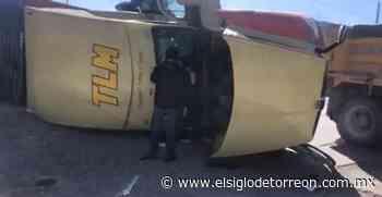 Tras intentar ganarle paso al tren, tráiler es arrastrado en Ramos Arizpe - El Siglo de Torreón