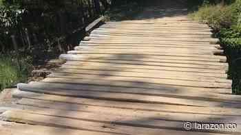 Puente artesanal en zona rural de Chinú, a punto de colapsar - LA RAZÓN.CO
