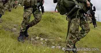 Videos revelan duros enfrentamientos entre Ejército y grupos armados en Caloto, Cauca - Blu Radio