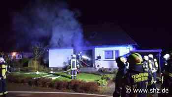 Feuer in Fahrdorf: Großeinsatz der Feuerwehr: Zwei Verletzte bei Hausbrand   shz.de - shz.de