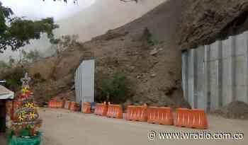Por caída de material de grandes proporciones, la vía ente Uramita y Dabeiba está cerrada - W Radio