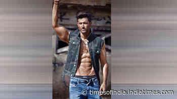 Birthday Special: Is Hrithik Roshan Bollywood's Sexiest man?