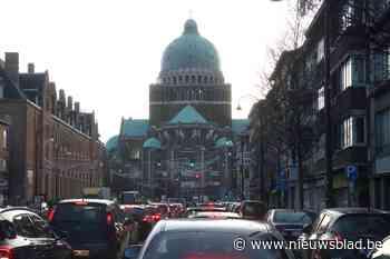 Rookpluim te zien aan basiliek van Koekelberg: waarschijnlij... (Brussel) - Het Nieuwsblad