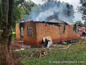 Incendio consume vivienda en su totalidad en Naranjal - ÚltimaHora.com