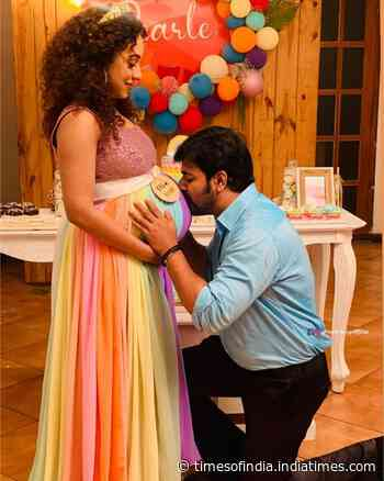 Srinish surprises by entering Pearle Maaney's baby shower unexpectedly