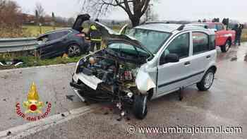 Incidente a San Martino in Campo tra due auto, una finisce in un fosso - Umbria Journal il sito degli umbri