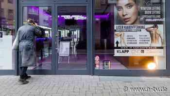 """Ladenöffnung trotz Lockdown?: Auch """"Querdenker"""" stecken hinter Protest"""