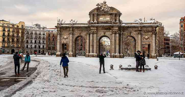 Spagna, oltre al Covid la tempesta di neve: ospedali isolati, in alcune regioni scuole non riaprono. A Madrid il vaccino arriva via terra