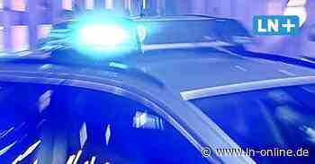 Ratekau: Lkw gerät in Gegenverkehr, Fahrer flieht nach Unfall - Lübecker Nachrichten