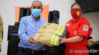 Amazonas: entregan indumentaria a bomberos de Chachapoyas LRND - LaRepública.pe