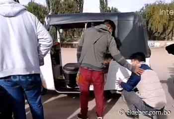 En Potosí transportistas pinchan llantas para hacer cumplir el paro - EL DEBER