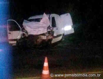 Colisão entre Getúlio Vargas e Estação deixa dois feridos | Jornal Bom Dia - Jornal Bom Dia