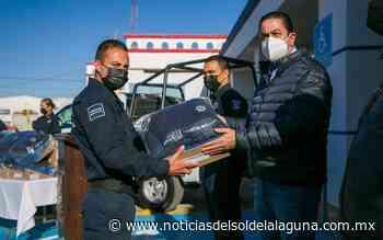 El Municipio de Ramos Arizpe hace entrega de uniformes en el día del Policía - Noticias del Sol de la Laguna
