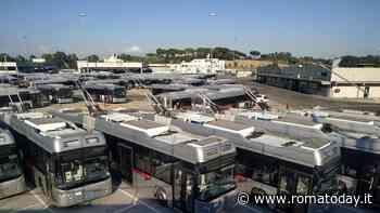 Dal M5s ancora promesse nel vuoto: i filobus restano fermi in deposito. Saltano i collegamenti sulla Laurentina