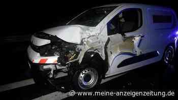 Drama: Mann will A5 überqueren - Autofahrer kann Unglück nicht verhindern